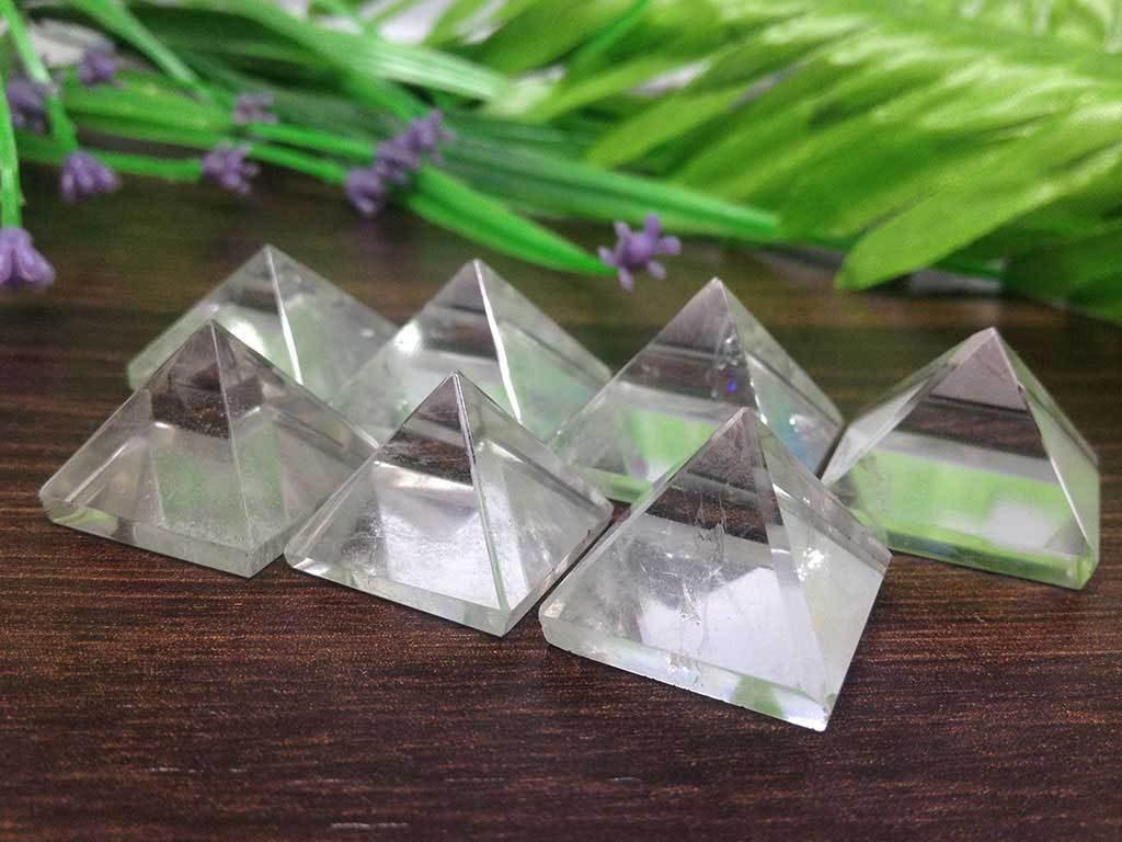 mäekristallist püramiidid