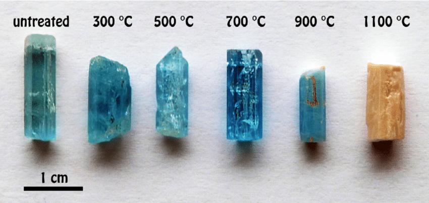 Erinevatel temperatuuridel kuumutatud akvamariin